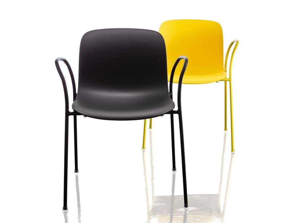 Troy Stacking chair with arms, 4 Legs - Set of 2 by Magis Design