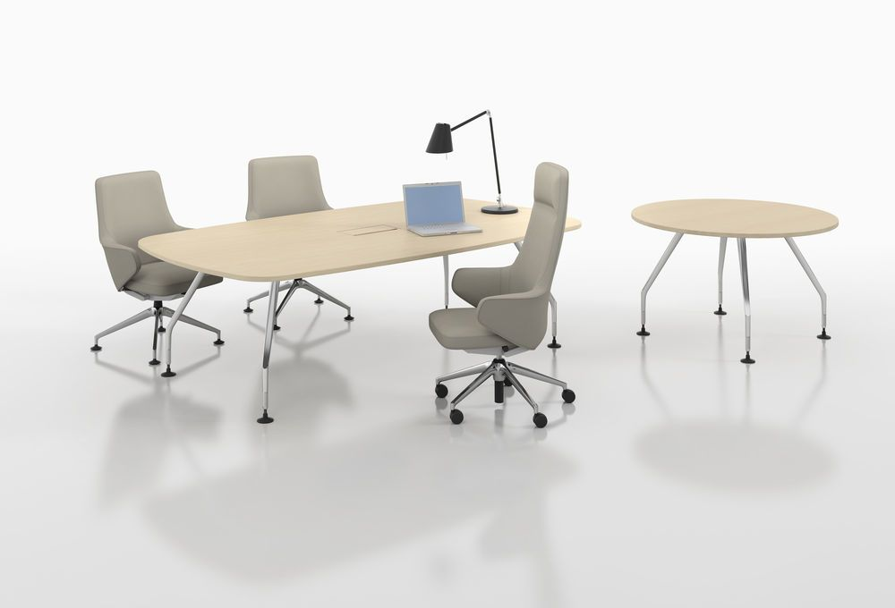 Ad Hoc Solitaires Meeting Round Table by Vitra
