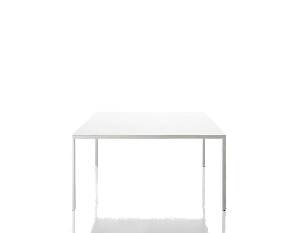 Passe-Partout Dining Table by Magis Design