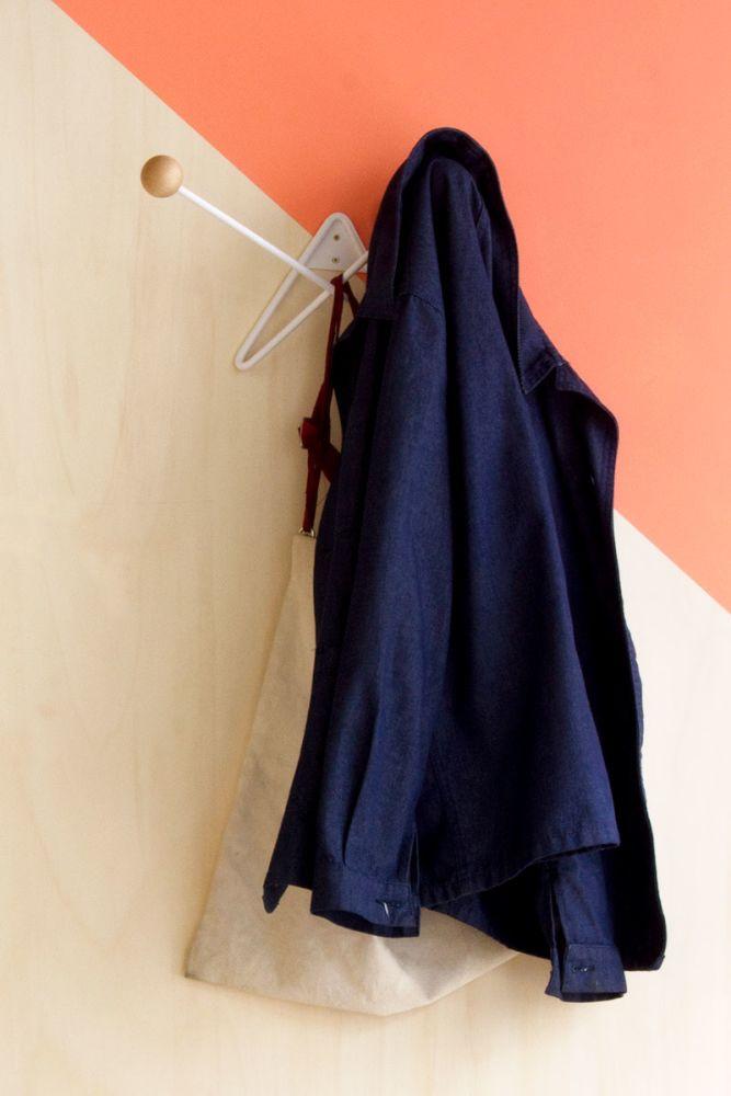 ATOME coat hanger in action