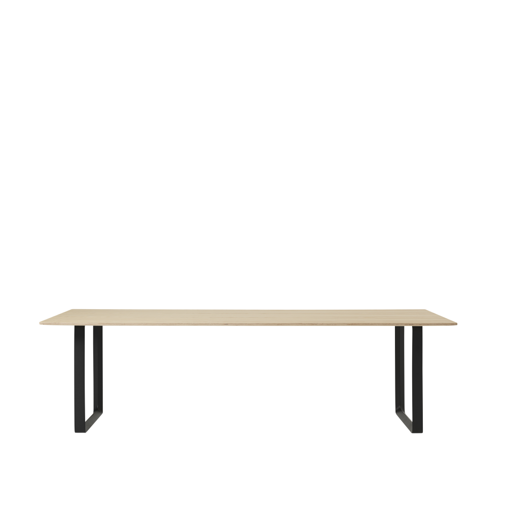 70/70 Table Extra Large by Muuto