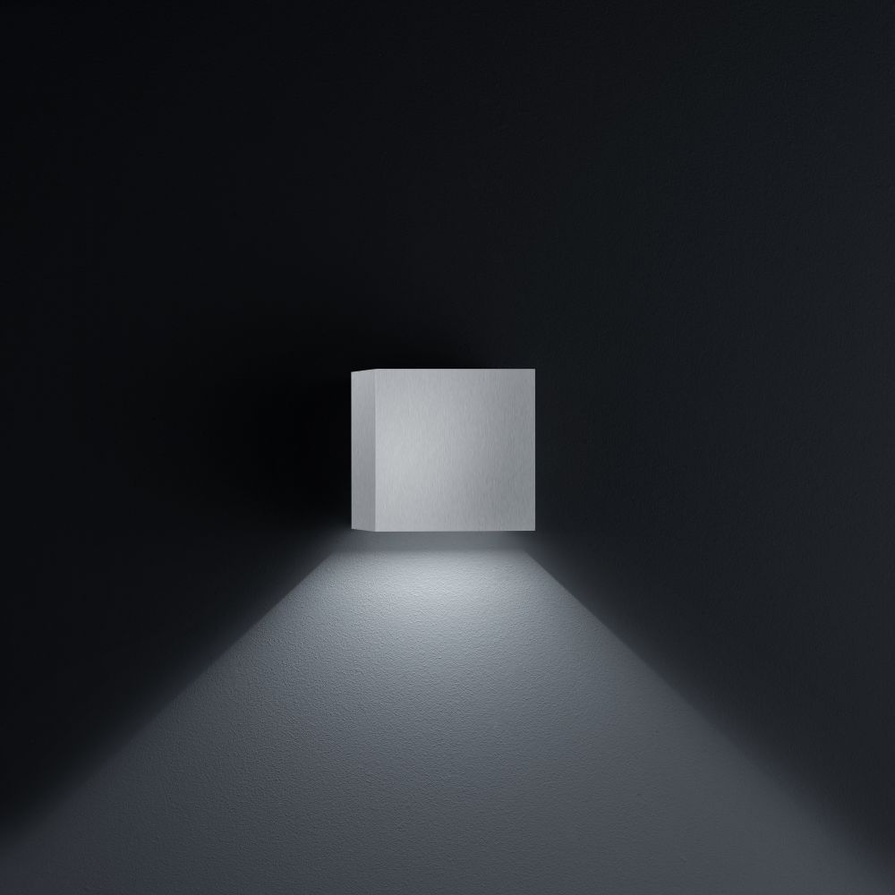 Siri 44 Wall Light by Helestra