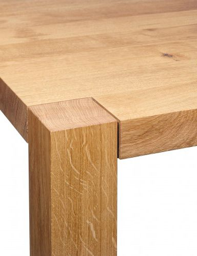 TA22 Holborn Dining Table by e15