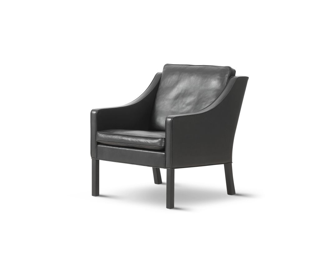 2207 Lounge Chair by Fredericia