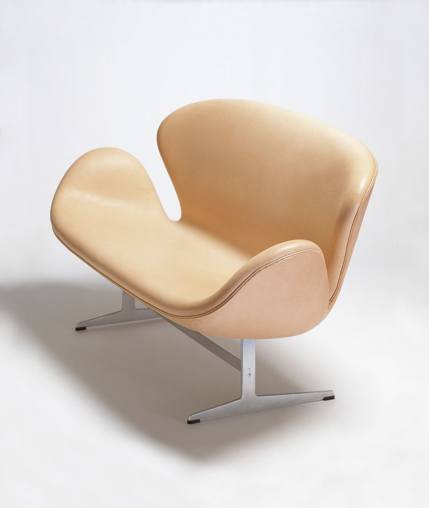Swan 2-Seater Sofa by Republic of Fritz Hansen