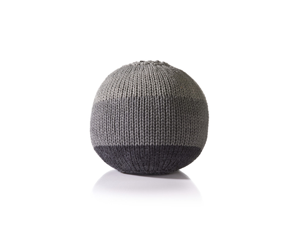 Knitted Ball Cushion in Small Grey by Stine Leth for Korridor