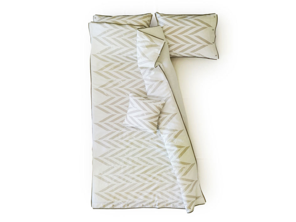 queen bedding set -grey