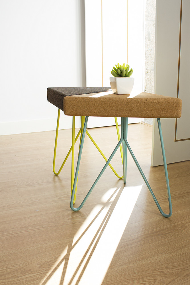 Três Stool.table