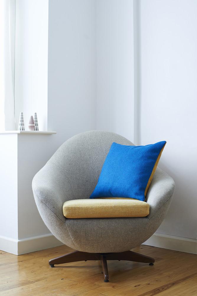 Twin Tone Cushion - Ionian Sea Blue & Mallard Blue