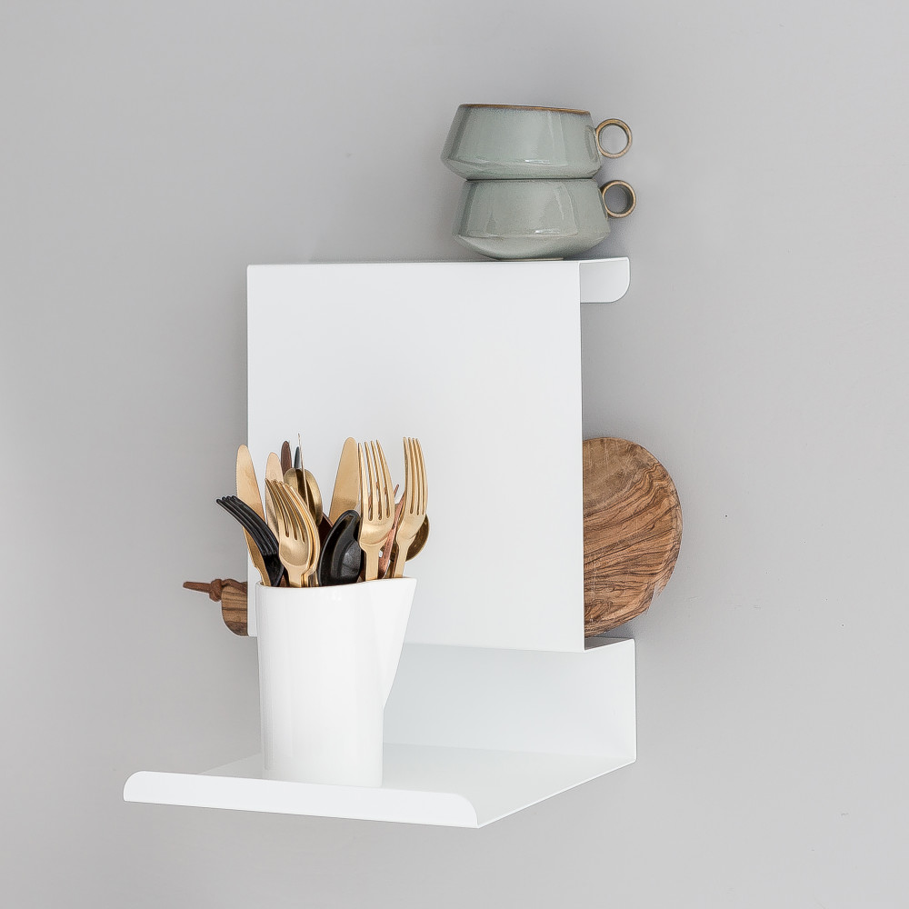 White Ledge:able Shelf in the Kitchen