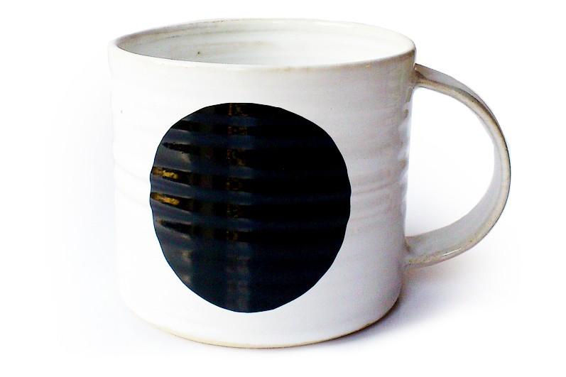 Dot Mug Black, Medium