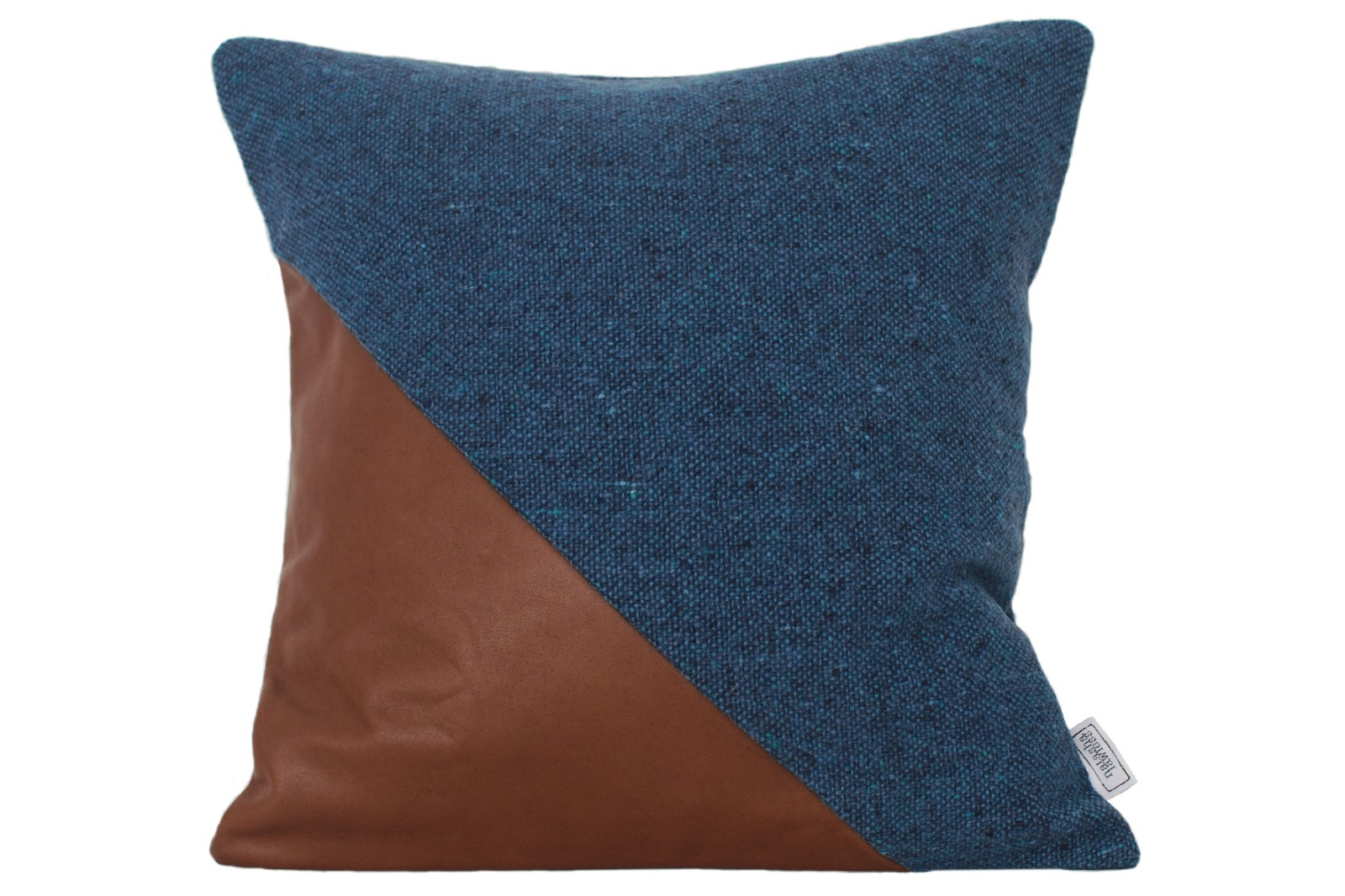 Ilua Cushion Conker Triangle