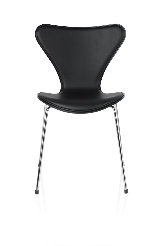 Series 7 Chair - front upholstered Soft Leather Black, Lacquered and full dark stained OAK