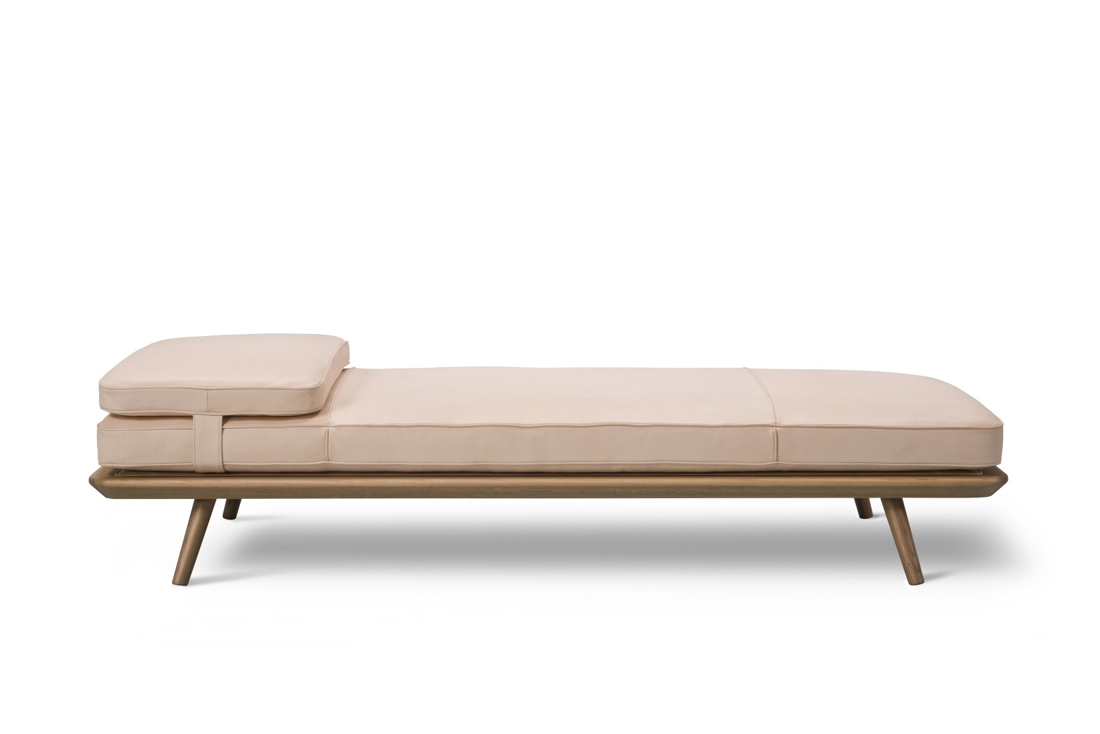 Spine Daybed Oak standard lacquer, With Cushion, Leather 90 Nature