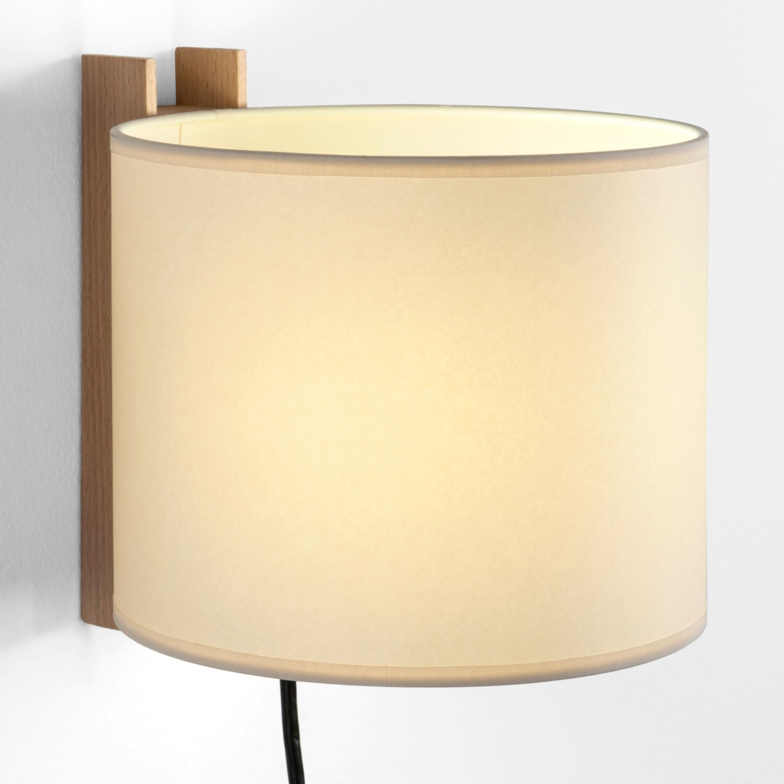 TMM Corto Wall Light Beige, With plug