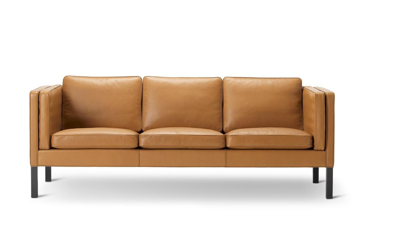 2333 Sofa - 3 Seater Oak black lacquered, Remix 2 113