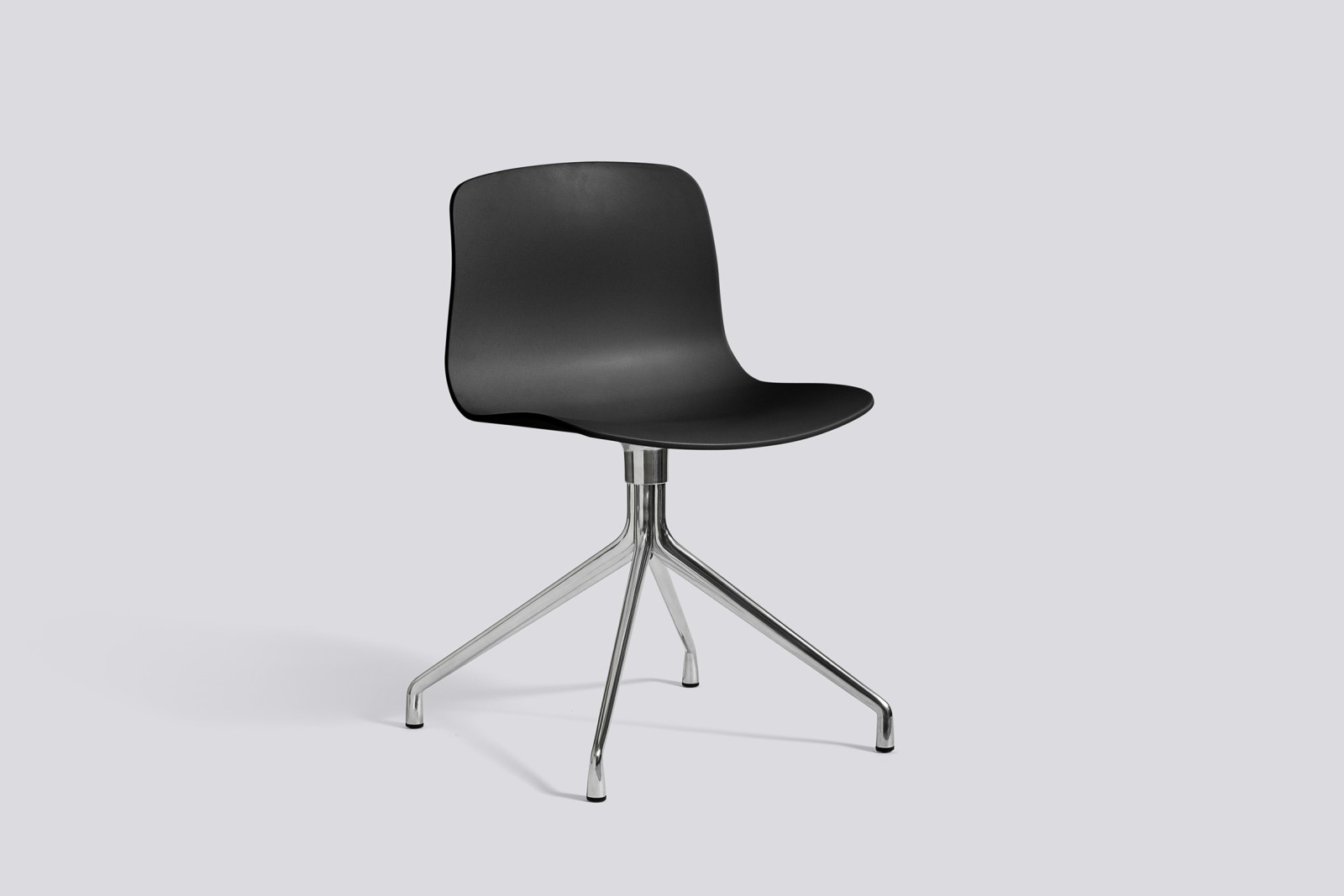 About A Chair AAC10 Black, Polished Aluminium