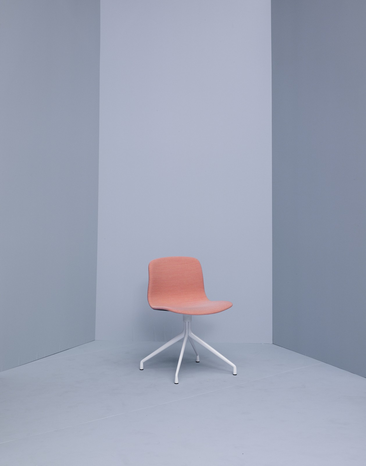 About A Chair AAC11 Steelcut Trio 2 105, White Base