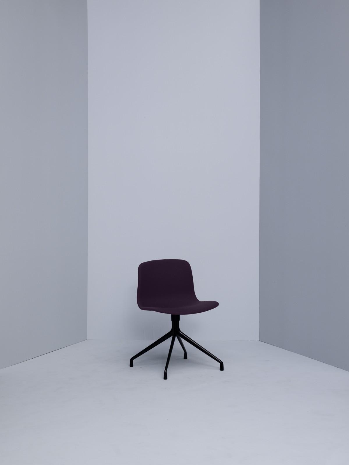 About A Chair AAC11 Hallingdal 65 100, Black Base
