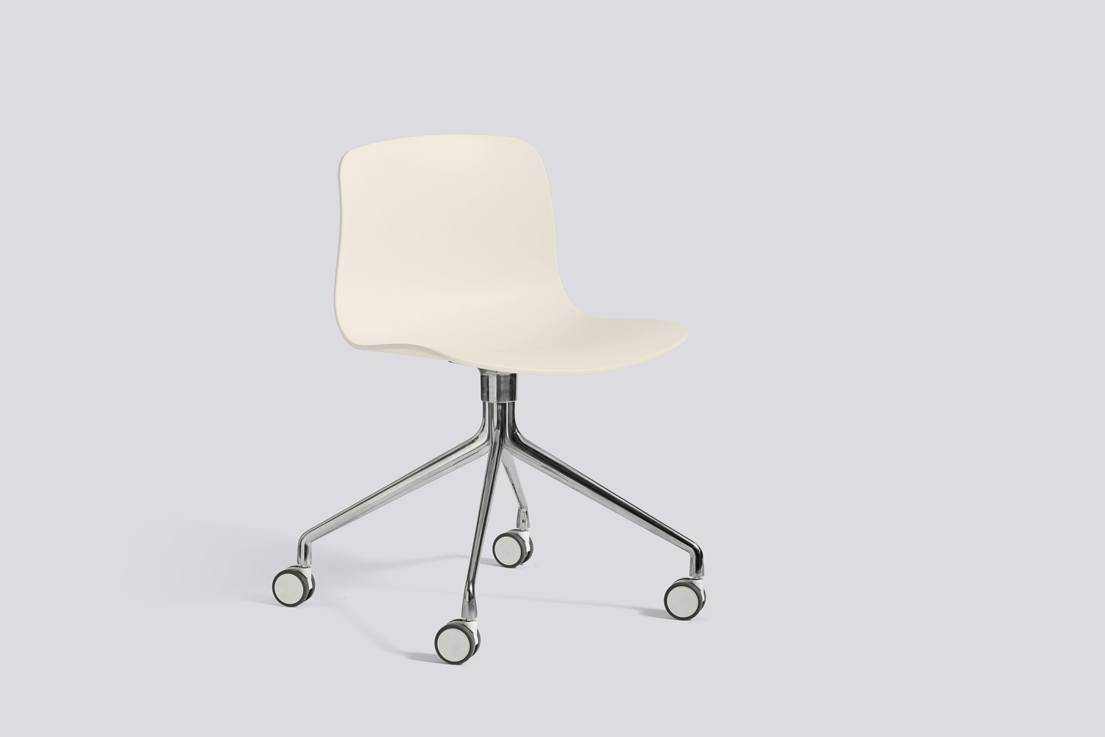 About A Chair AAC14 Cream white, Polished Aluminium