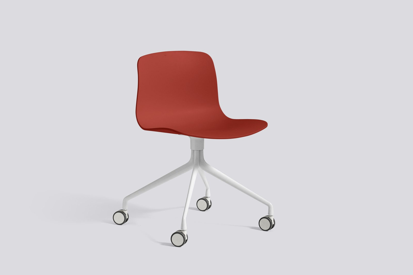 About A Chair AAC14 Warm red, White Powder Coated Aluminium