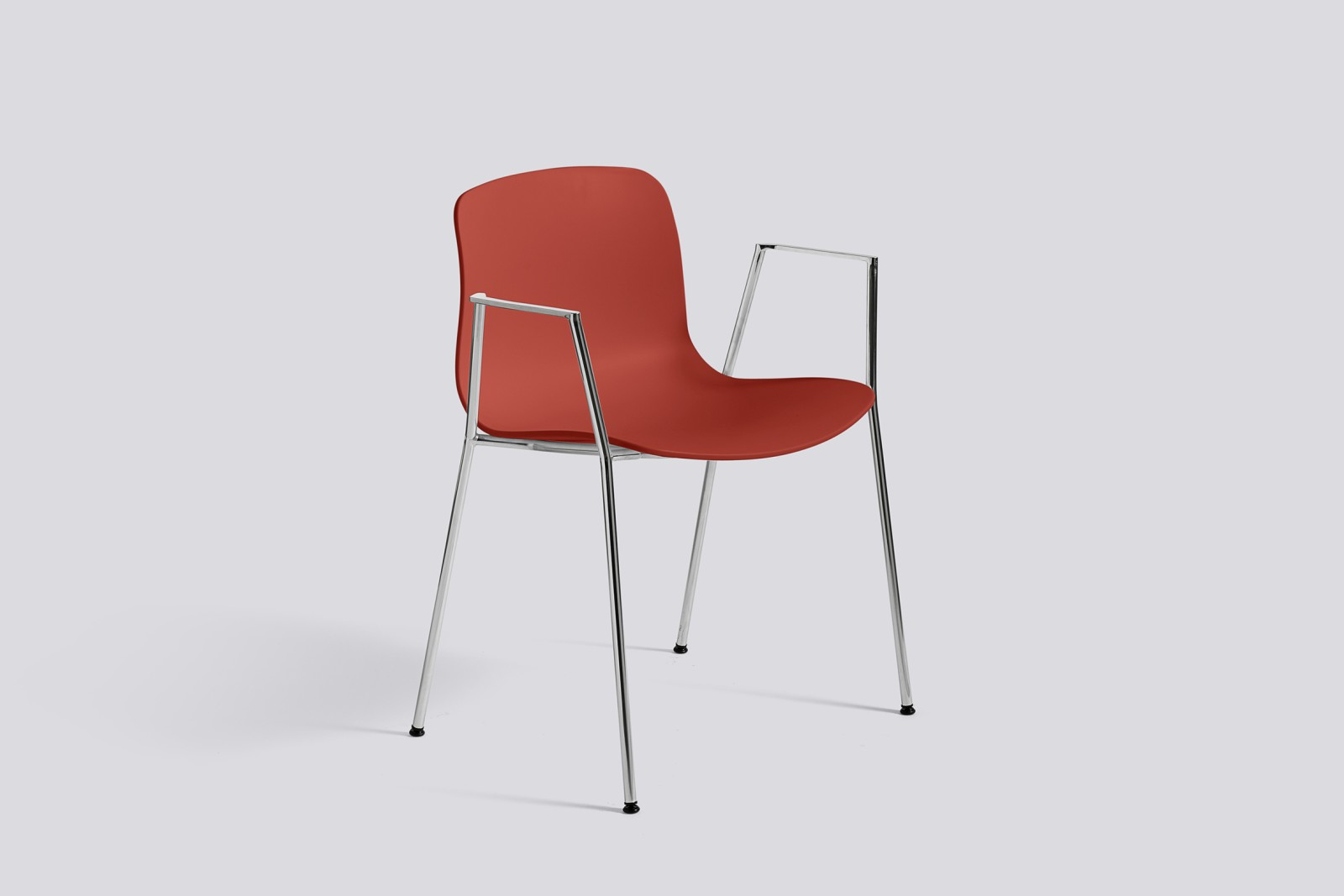 About A Chair AAC18 Warm red, Polished Aluminium
