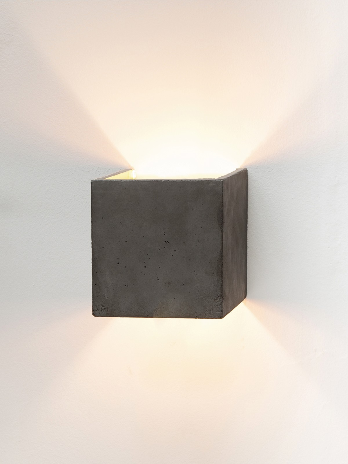 [B3] Wall Light Cubic Dark Grey Concrete, Gold Plating