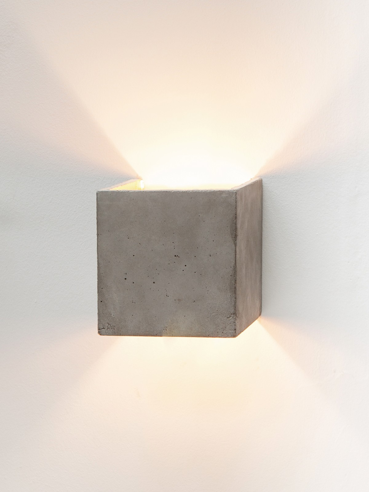 [B3] Wall Light Cubic Light Grey Concrete, Gold Plating