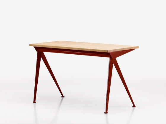 Compas Direction 06 Japanese red powder-coated, solid oak, natural, oiled
