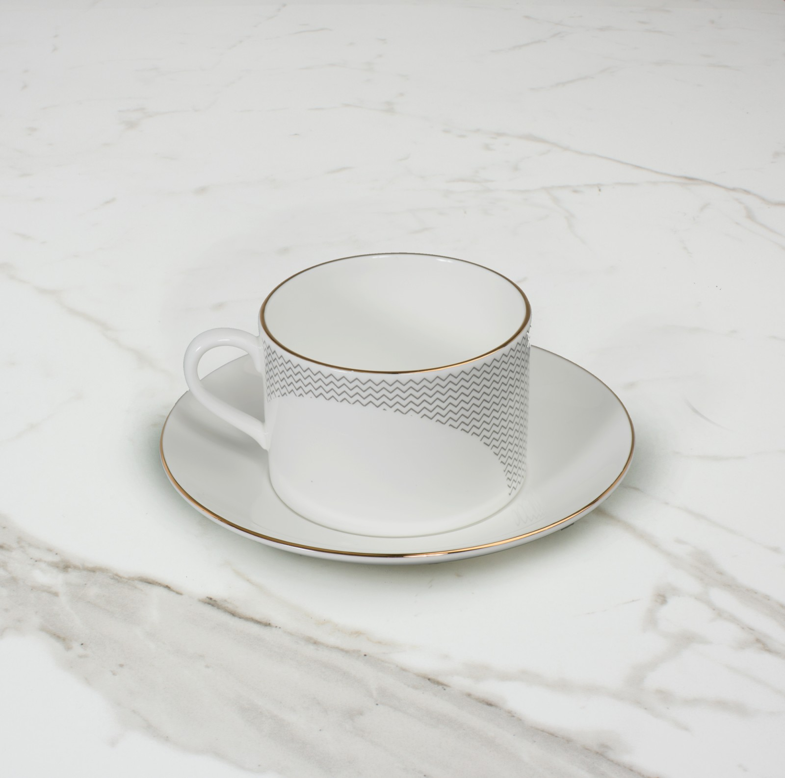 Curve Teacup & Saucer No. 4