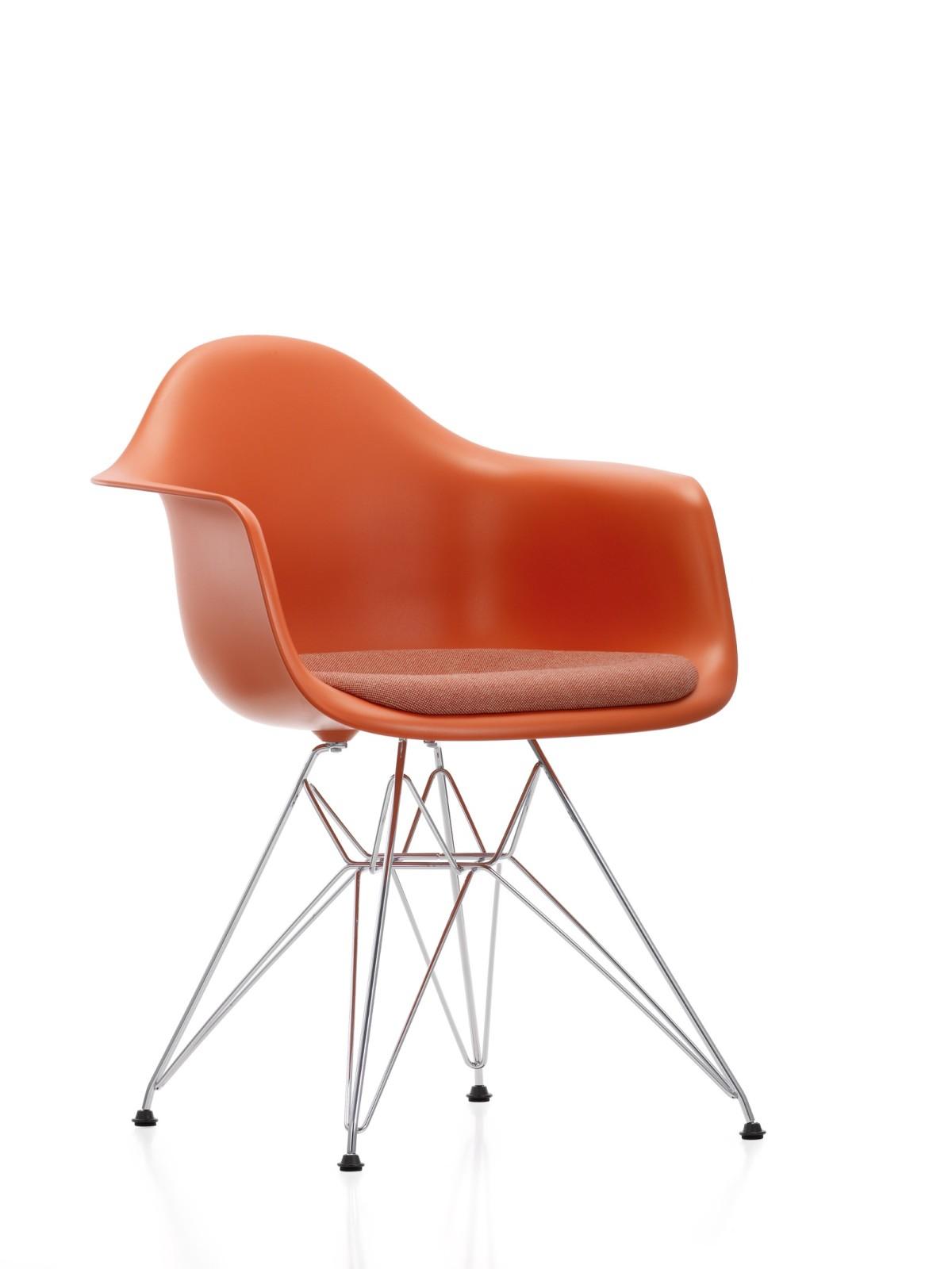 DAR Side Chair with Seat Upholstery 01 Chrome, 04 White, 04 Glides basic dark for carpet, Hopsak 79