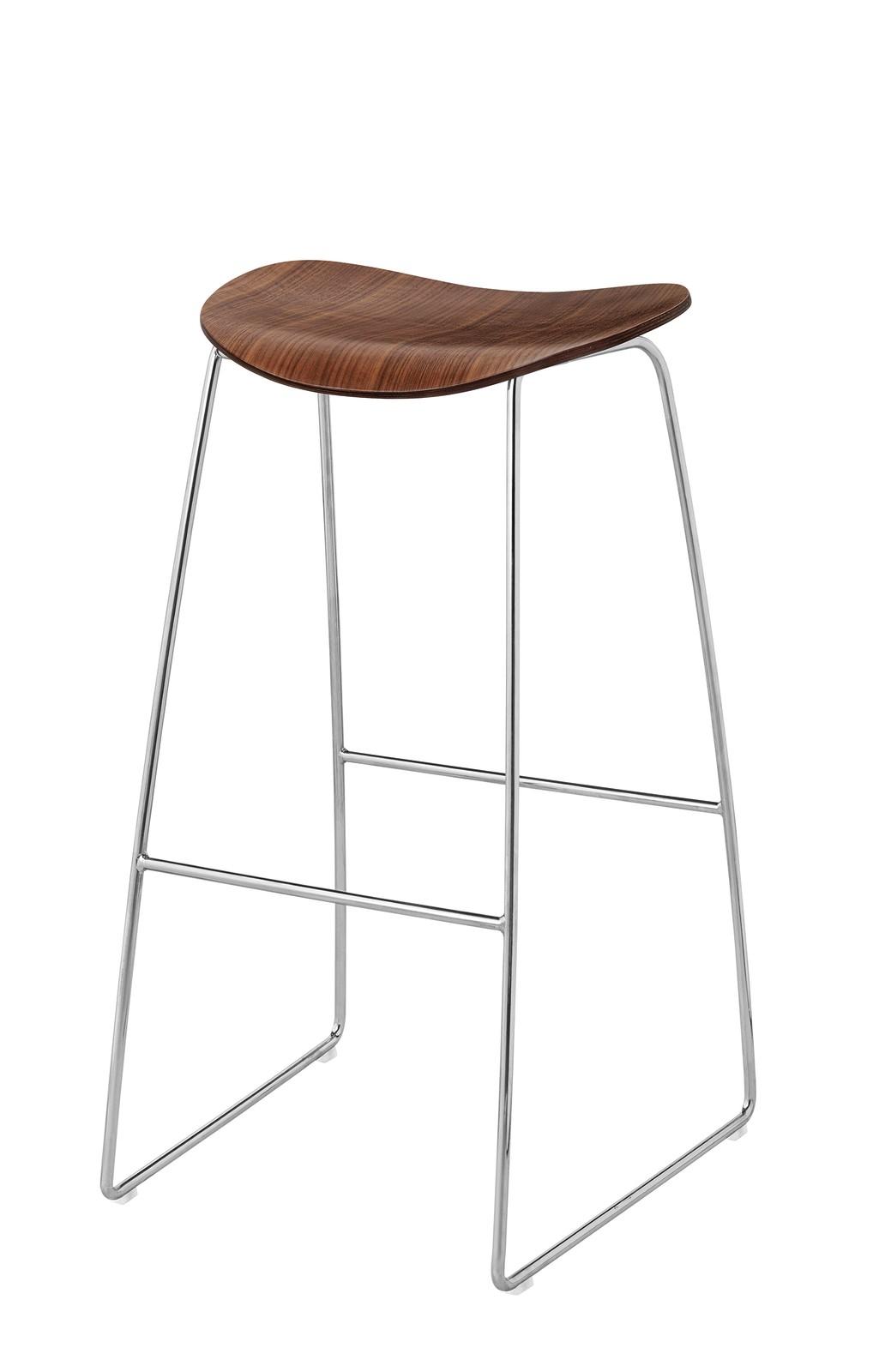 Gubi 2D Bar Stool Sledge Base - Unupholstered Gubi Wood American Walnut, Gubi Metal Chrome