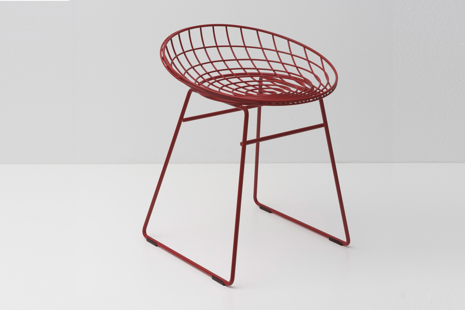 KM05 Stool Ox Red
