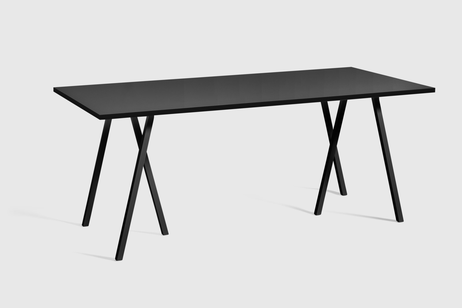 Loop Stand Table Black, 180
