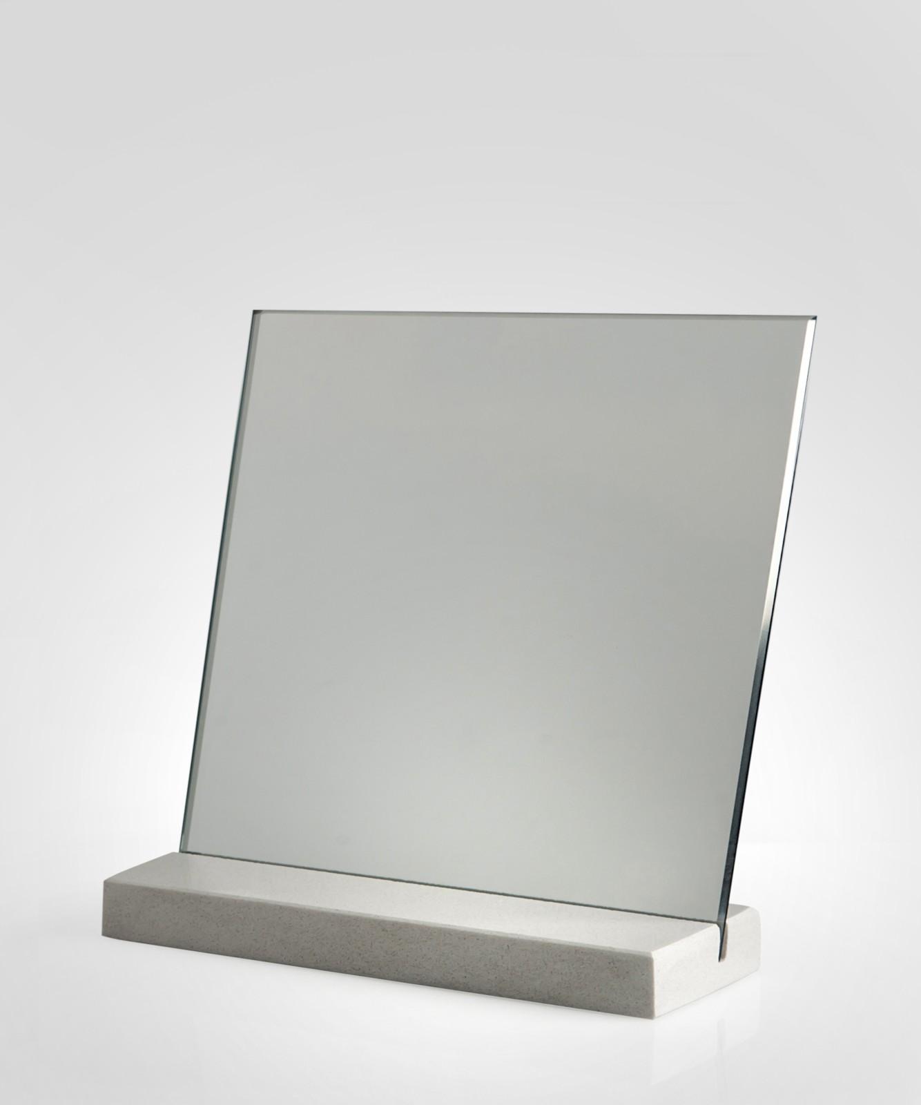 M22 Mirror White