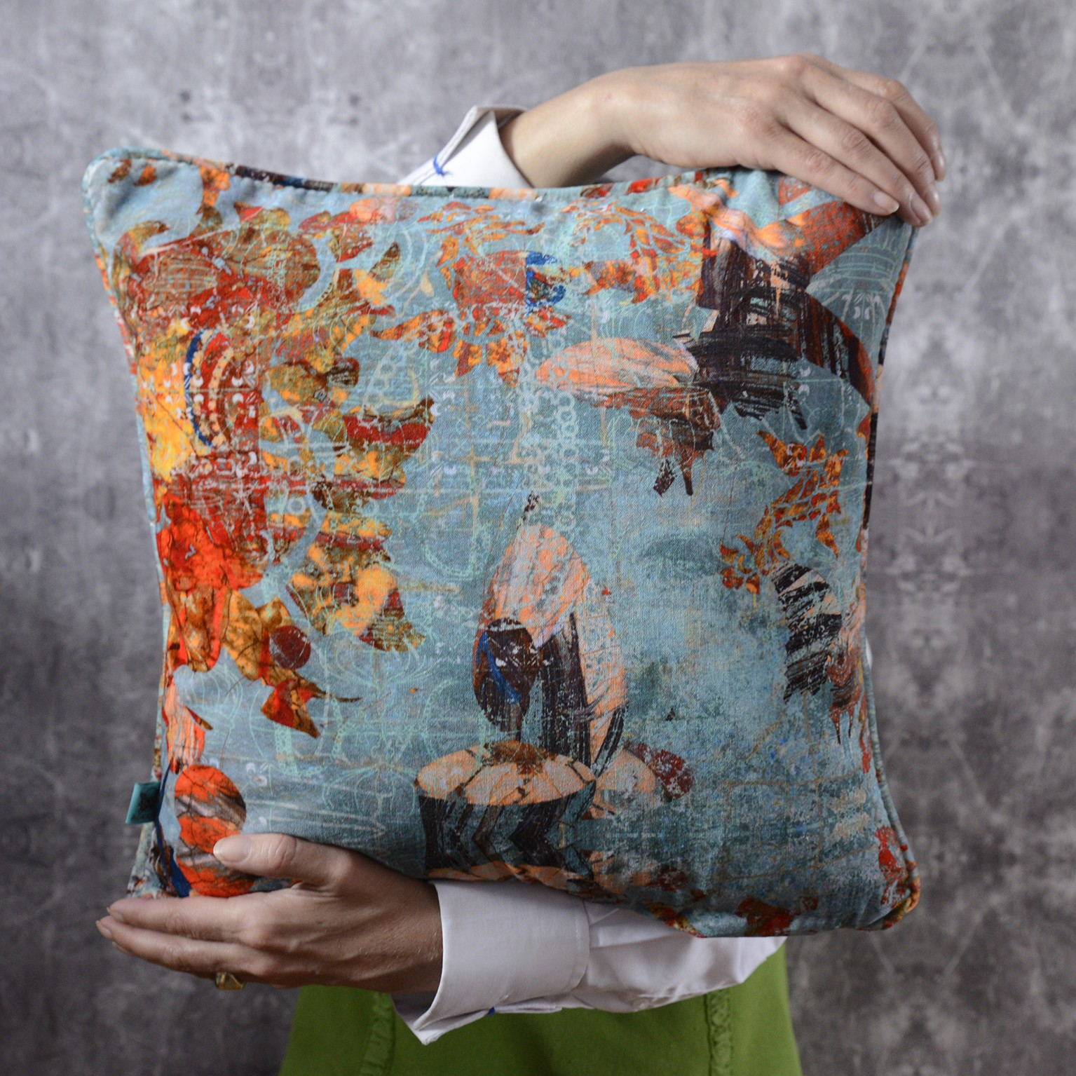 Mary Velvet Cushion Mary Large Cushion