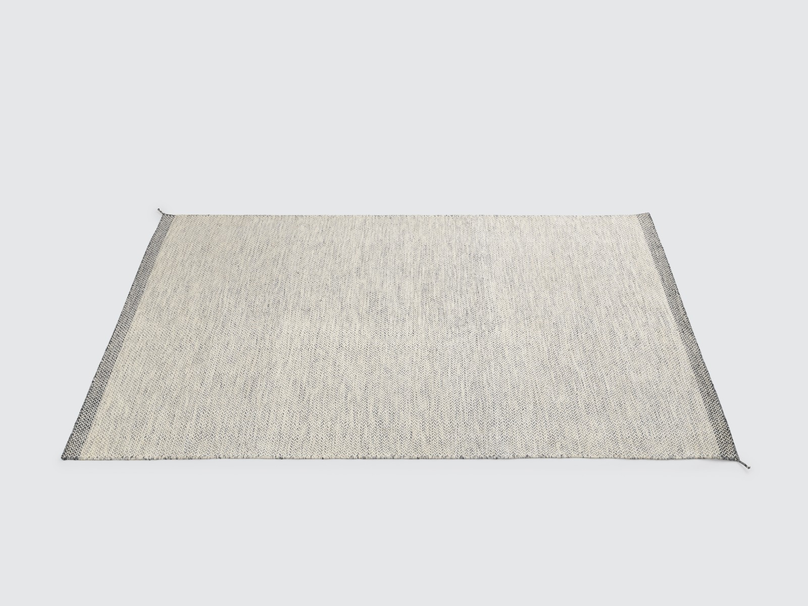 Ply Rug Off-white