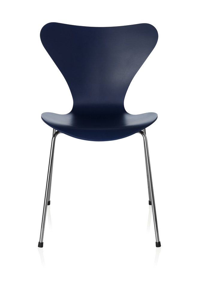 Series 7 Chair Lacquered, Full dark Stained Oak Ai Blue 880