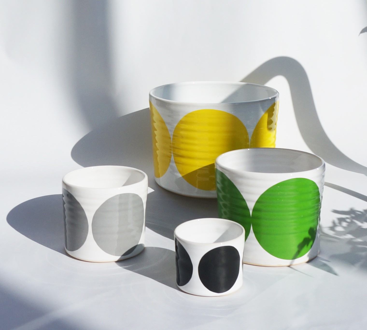 Set of 4 Pots Yellow, Green, Black, Grey