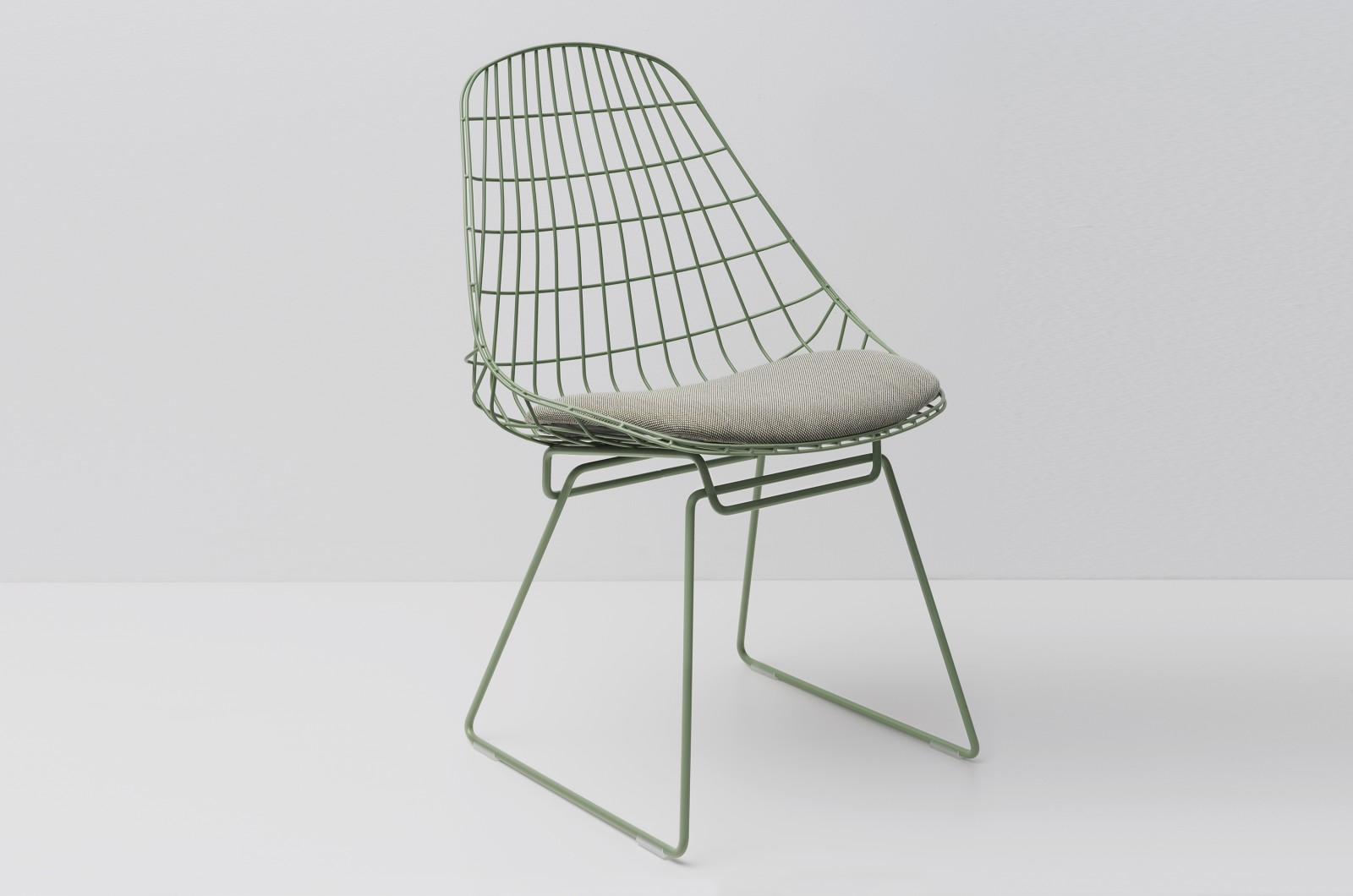 SM05 Dining Chair with Cushion, Pale Green Frame Steelcut Trio 2 105