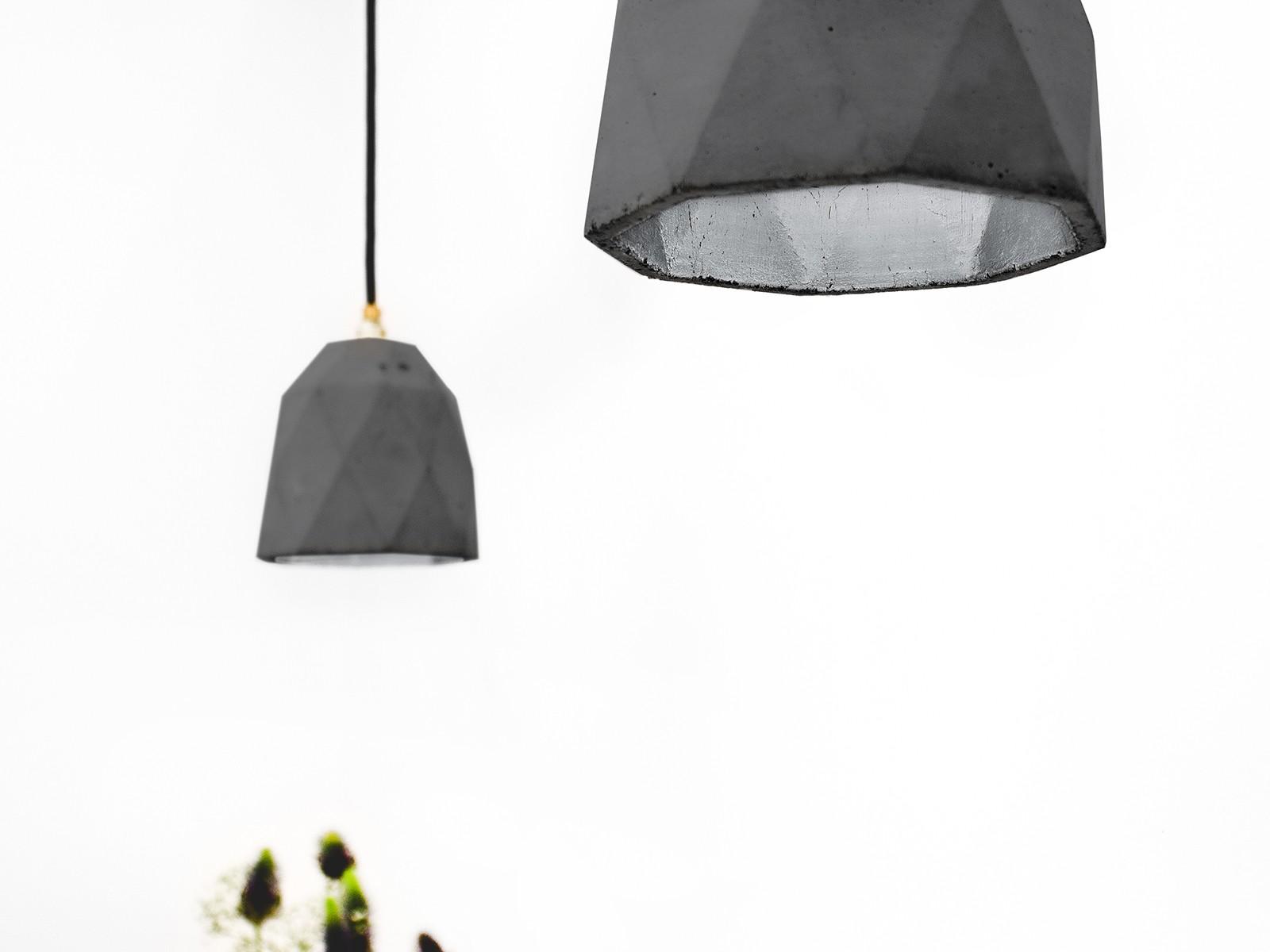 [T1] Pendant Light Triangle Dark Grey Concrete, Silver Plating