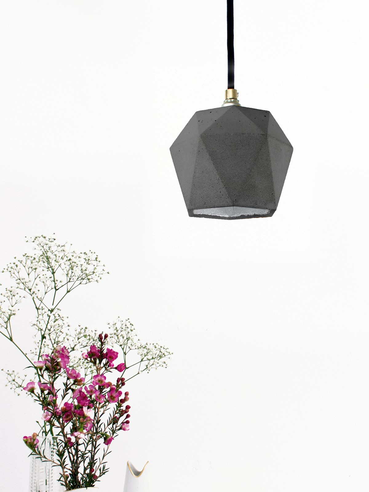 [T2] Pendant Light Triangle Dark Grey Concrete, Silver Plating