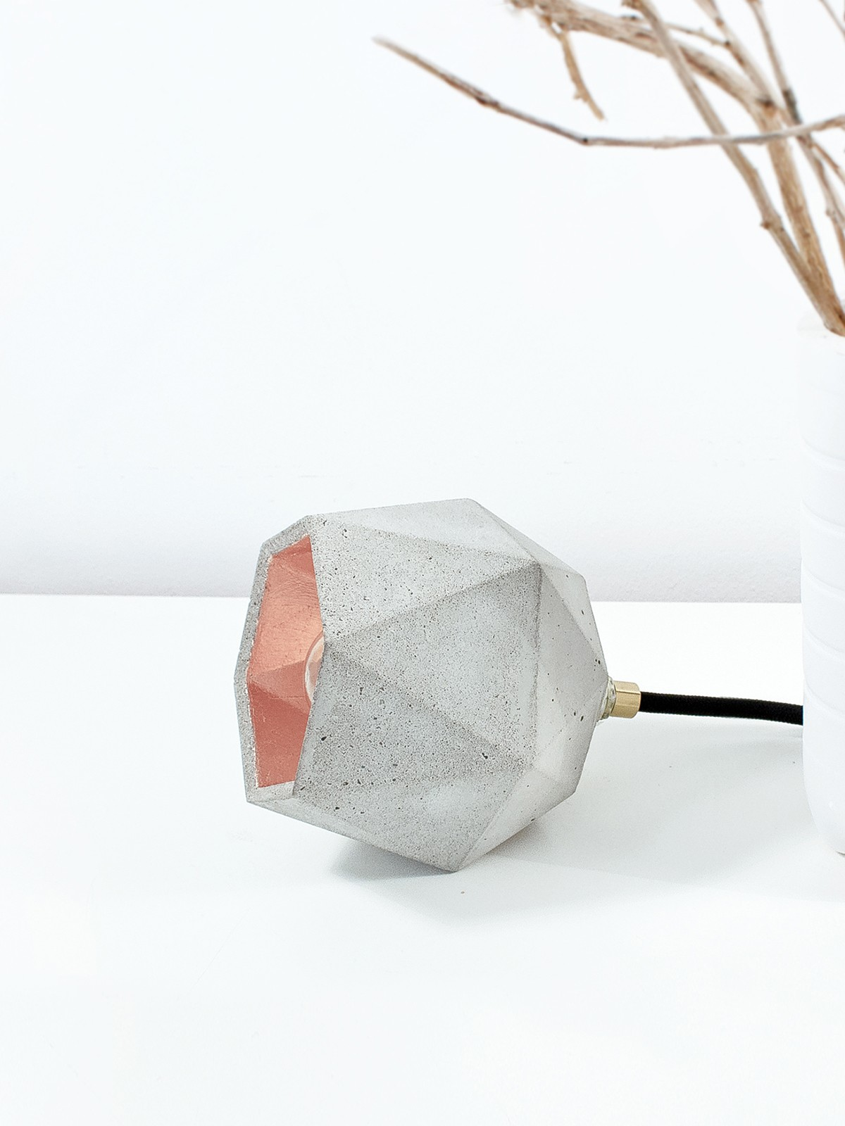 [T2] Up Floor Light Triangle Light Grey Concrete, Copper Plating