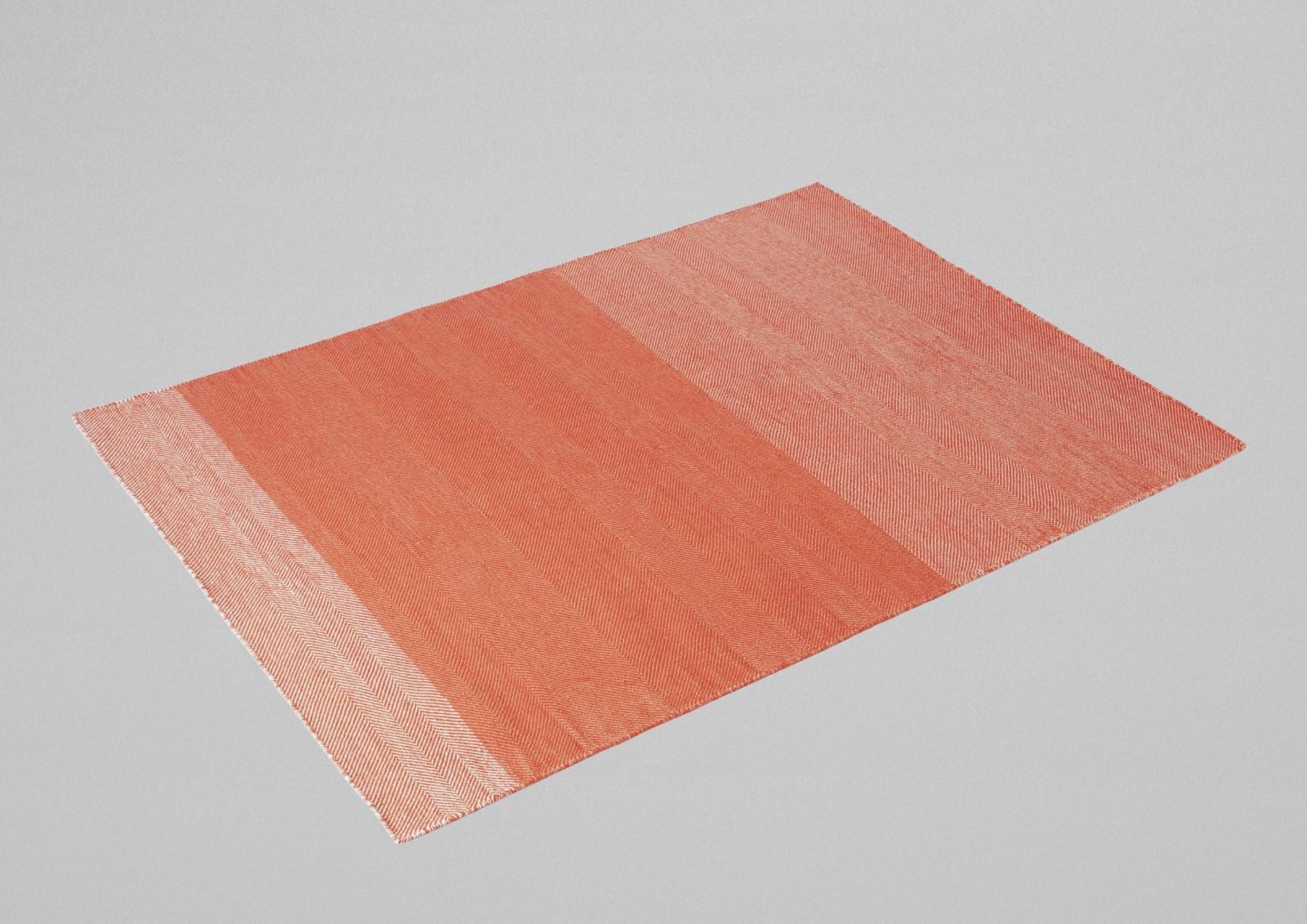 Varjo Rug Tangerine 200 x 300