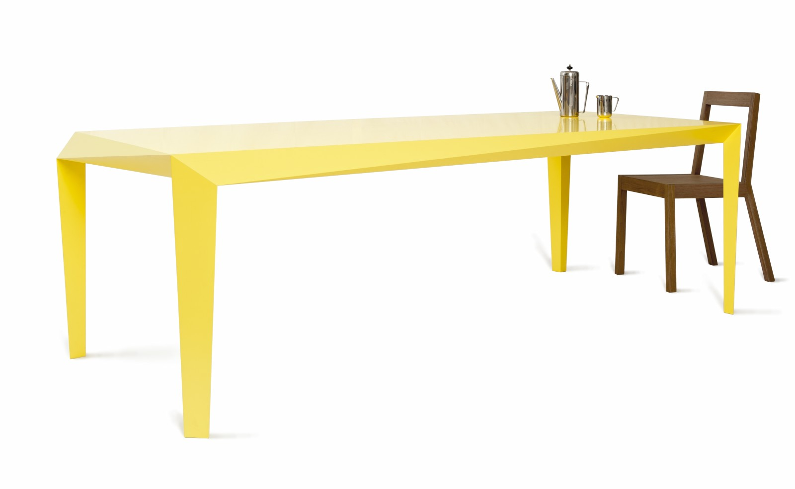VOLT dining table