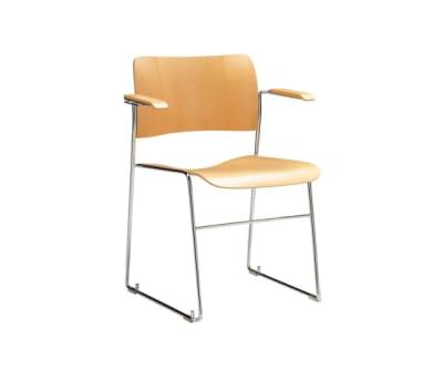 40/4 armchair by HOWE
