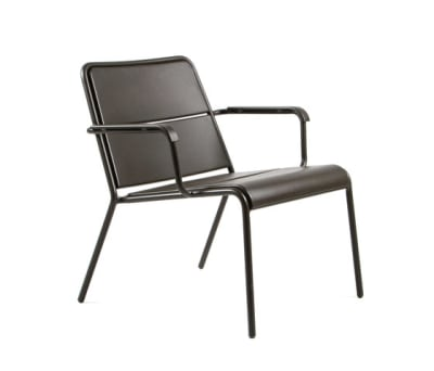CP9100 Low Armchair by Maiori Design