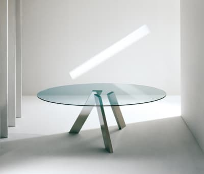 Fix oval table by Former