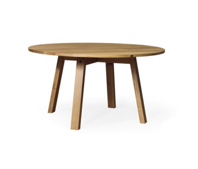 SC 50 Round table | Wood with wood legs by Janua / Christian Seisenberger