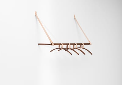 Belt Hanging Rack Walnut
